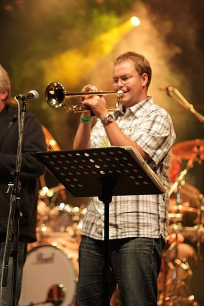 HE band, Pavel Puffer, trumpet, hraj